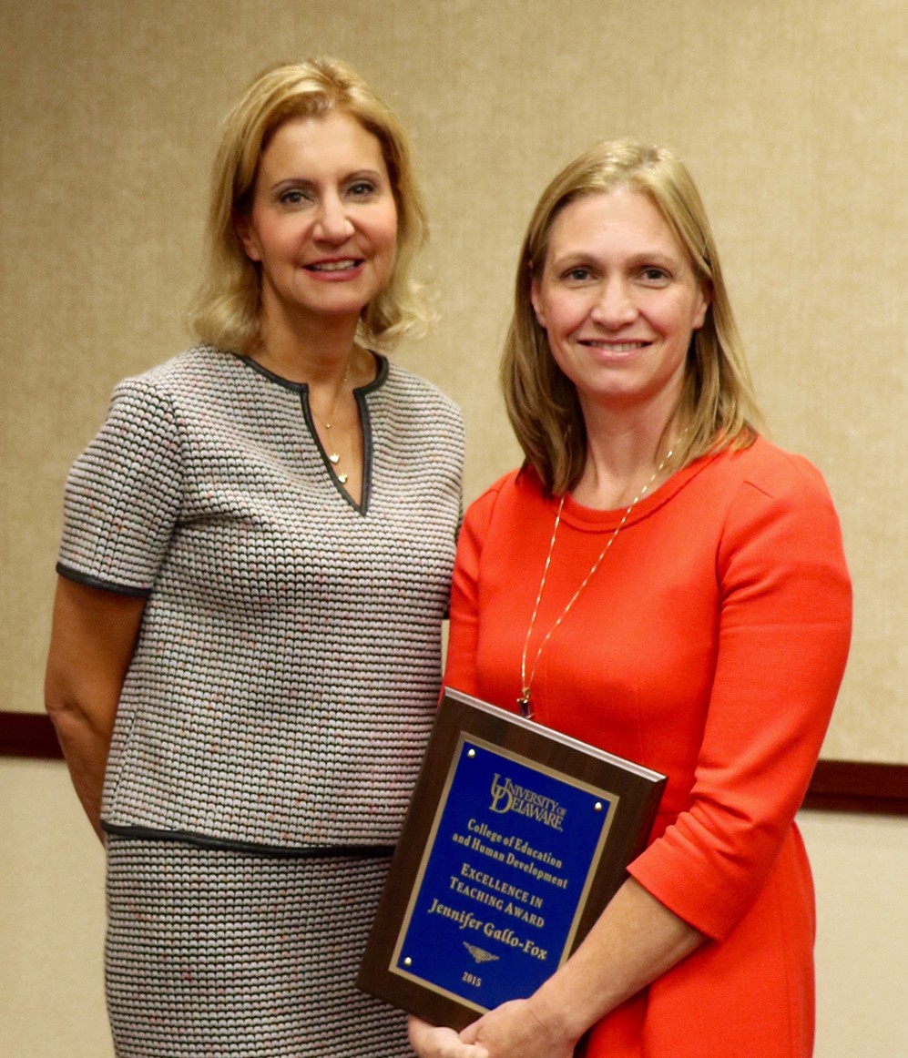 Bahira Trask presents teaching award to Jen Gallo Fox