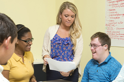 Student Lauren Hennessey, CEHD, volunteers with the CLSC to help mentor young adults with disabilities at the CDS